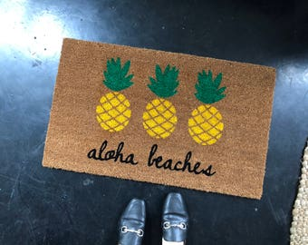 Aloha Beaches Pineapple Doormat / Pineapple Decor / Funny Doormat / Custom, Personalized Doormat / Outdoor Doormat / Cute Doormat