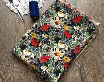 Vintage cotton fabric (2.5 yards)  Floral cotton fabric Flower print Dress fabric Quilting fabric Fabric for sewing Beautiful cotton fabric