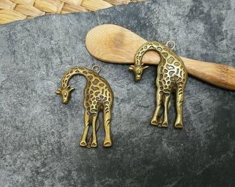 1 pc pendant large ethnic giraffe brass bronze, 43 x 29 mm