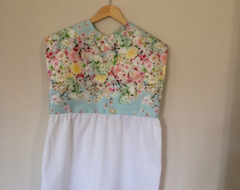 Blouse with matching earrings