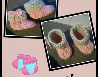Baby booties crochet booties