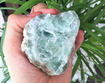 Fluorite Healing Crystal Perfect for Reiki, Chakra Balancing