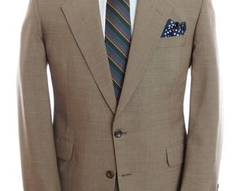 Size ~45R - H. Freeman & Son suit in a basket weave pattern cloth, two-button, 35x30