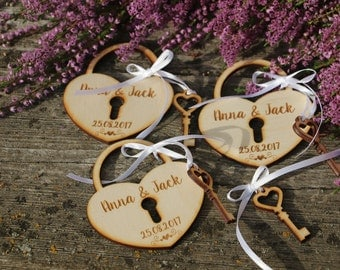 Save the Date heart/Wooden save the date/ Rustic heart for wedding/Save the date heart magnet/Wedding announcement/heart locket favor