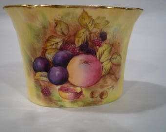 Aynsley China, Aynsley, Aynsley small vase, Anynsley small pot,