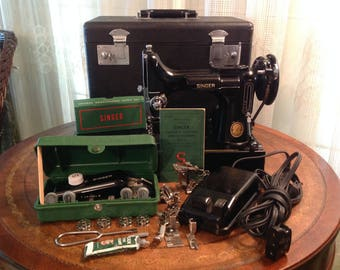 Singer Featherweight Sewing Machine & Accessories