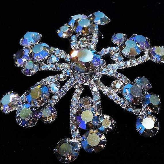 Juliana Rhinestone Brooch / Verified DeLizza Elster / Mid Century Brooch / 1960s 60s Brooch /  Winter Wedding / Bride Bridal Jewelry