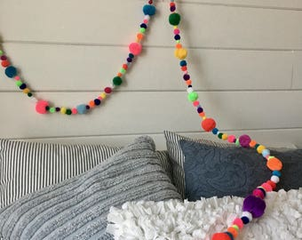 Pom Pom Boho Garland/Pom Pom Banner/Handmade/Pom Pom Party Decoration/Dorm Decorations/Child/Teen Bedroom Decorations/Boho Decor