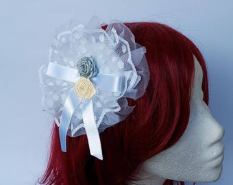 White Headdress Lolita headdress Lolita Brooch Headdress Flowers Fascinator hair clip Hair pin brooch Classic lolita hair clip Vintage Retro
