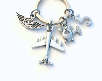 Gift for Pilot Keychain, Air Plane Keyring, Present Flight Instructor Airplane Key Chain Initial Letter amateur Wings Men New License women