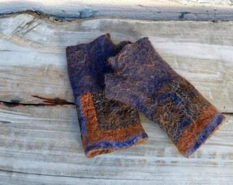 Wool felt fingerless gloves