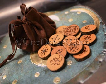 Witches Runes Set 13 Handcrafted wooden Wicca Runes with Faux Leather Pouch and Rune Meanings Card, Rune Reading Wicca Pagan Witch Occult