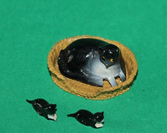 Vintage Dolls House Barrett And Son Cat And Kittens And Basket