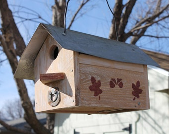 Maple Leaf Birdhouse