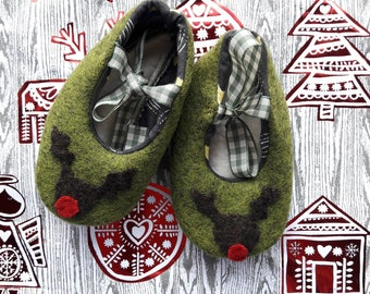 Sale item! Handmade Felt Baby shoes with Rudolph applique