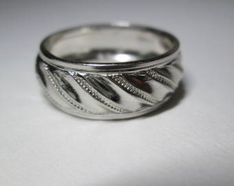 Uncas Sterling Silver Cabled Banded Ring - Size 8 - FREE SHIPPING