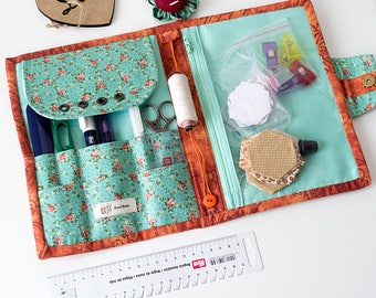 Green sewing organizer floral cotton cross stitch applique quilter holder needle case travel kit project bag Flower pincushion gift for sew