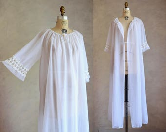 vintage 1960s white robe | white nylon chiffon Lov'Lee bell sleeve robe | 60s wedding lingerie | lace trimmed robe | pinup trapeze robe