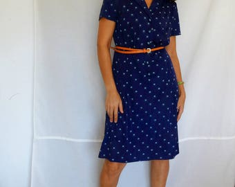 Navy blue jersey dress floral size 10 shift pleated dress short sleeved dress lined front button up vintage 70s Medium size 10