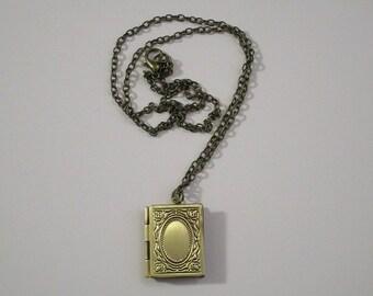 SALE! Book Locket / BOOK LOVER / Shiny Bronze Locket Necklace
