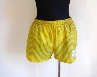 Vintage Men's Shorts Yellow & Purple Vertical Stripes Adjustable Waist Sportswear Fashion 90s Inside Panties Striped Tennis  Shorts