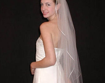 """Single Tier Wedding Veil - 42"""" fingertip length bridal veil with rounded/rattail ribbon"""
