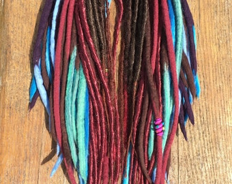 Lot de 50 dreadlocks mixte wool & synthétique / Set of 50 handmade dreadlocks mixed wool, synthetic hair