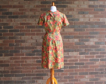 1950s Crushed Crepe Floral Dress