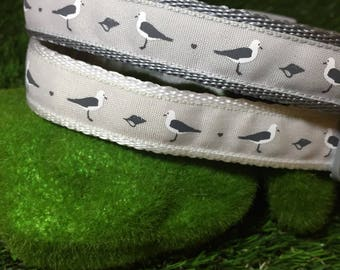 White dog collar and lead, white and grey, seagull dog collar, grey leash, bird dog collar, seaside dog collar, pet gift, grey gull dog