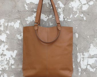 SUNDA Tote in Tan Leather