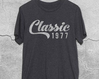 1977 tshirt - Classic 1977 Shirt - 40th Birthday Gift  for Women & Men - 40th Birthday Shirts - T-Shirt - 40th Birthday gifts - Gift ideas