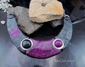 Statement chain / necklace in grey black violet