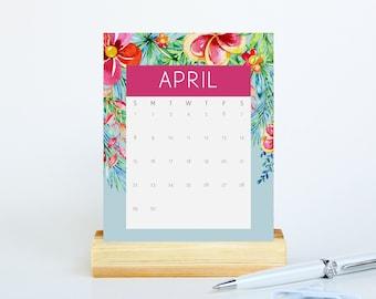 2018 Desk Calendar With Stand - Tropical Calendar - Pineapple Office Decor - Small Desktop Calendar 2018 - Hawaiian Floral Calendar