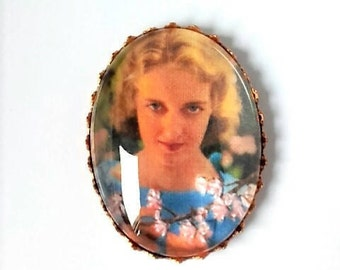 Bette Davis hand embroidered brooch