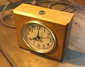 Vintage Seth Thomas Electric Alarm Clock Model No. TAS033 - Wedgewood Clock, Art Deco, 1960s Electric Alarm Clock - MAD MEN ERA