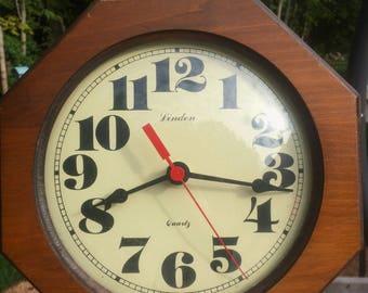 Linden Quartz Clock