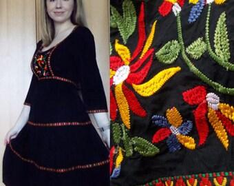 Vintage Embroidered dress, bohemian dress, cotton dress, flowy dress, festival style, boho dress, black dress, midi dress, size M
