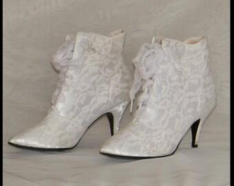 white granny boots etsy Wedding Granny Boots ivory lace wedding boots victorian boots ivory granny boots vintage granny boots lace up granny boots wedding granny boots