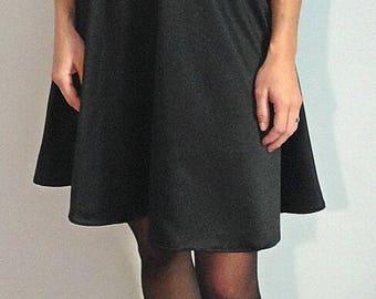 Tee dress in black satin