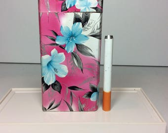 "One Hitter Dugout Tropical Flower Pink Baby Blue Hibiscus Turquoise Fabric on Wood Spring Loaded 4"" Tobacco Box Case + 3"" Digger Bat Pipe"
