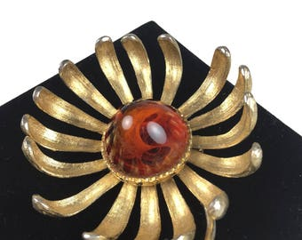 Vintage Brooch-Flower-statement-cabochon-amber-gold-Unsigned jewelry-1960s-Mad Men-Gift