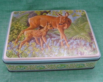 1959 Frears Biscuits Red Deer Doe and Fawn Hinged Lid Vintage Tin