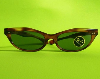 Quality, NOS Vintage 1960s Bausch & Lomb Ray Ban Dune Sunglasses