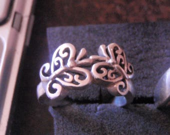 solid vintage butterfly sterling silver ring