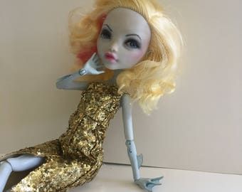 Lagoona Blue as Betty Grable: Ooak Monster High Repaint