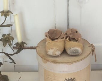 Vintage ballet shoes GORGEOUS shabby pointe ballet shoes antique brocante pointe ballet shoes French living JDL