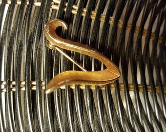 Trifari gold tone pin