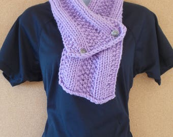 Lilac scarf with buttons