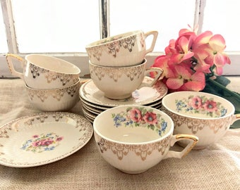 Vintage 1940s Sebring Royal China Tea Cup Set for Six / Teacups and Saucers