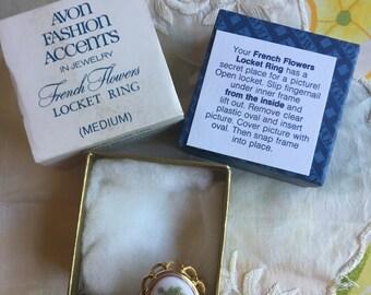NIB Vintage Avon French Flowers Locket Ring, 1975